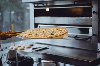 Große Pizza kochen