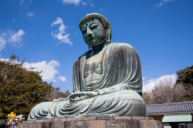 Großer buddha des kotokuin tempels in kamakura