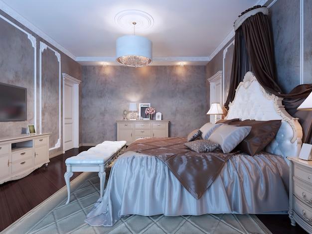 Großes doppelbett mit vorhängen im neoklassizistischen schlafzimmer mit dunklen wänden und boden
