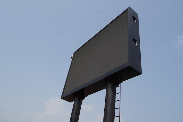 Großes led-fernseh- oder projektorbild