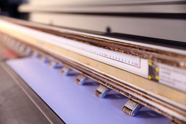Großformatiger tintenstrahldrucker für den außenbereich