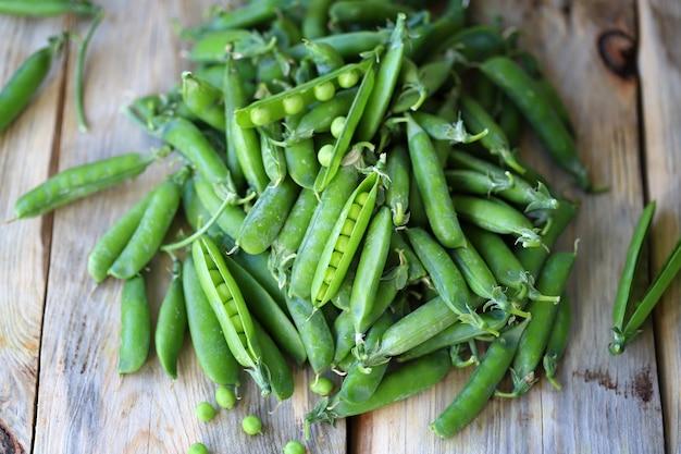 Grüne erbsen gesundes essen