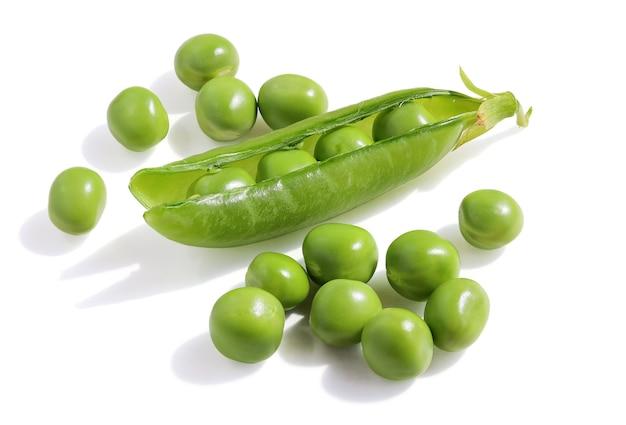 Grüne erbsen in schote und erbsen trennen
