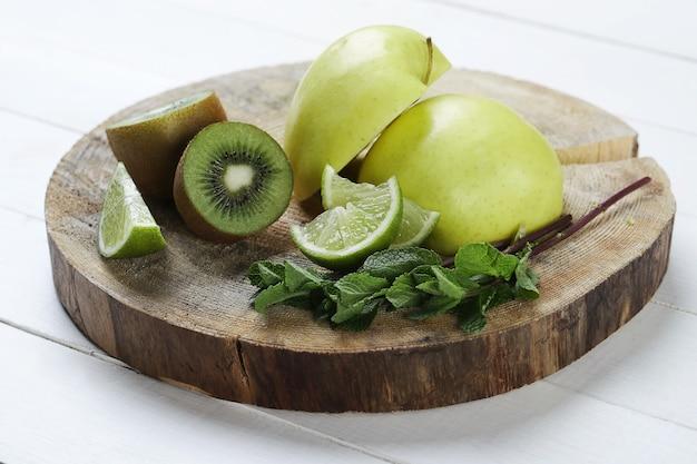 Grüne früchte