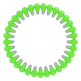 Grüne glühbirnen, die einen rahmen bilden. isoliert. enthält beschneidungspfad