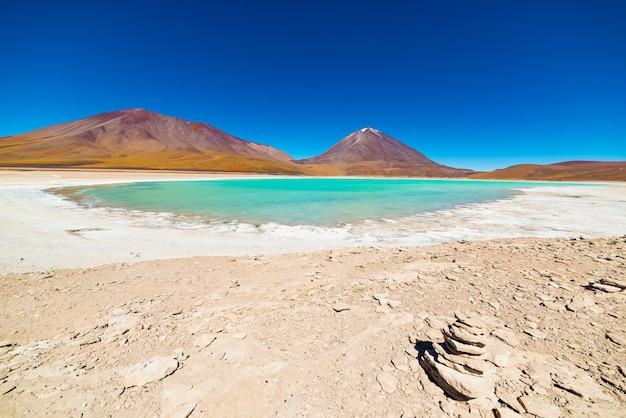 Grüne lagune in bolivien