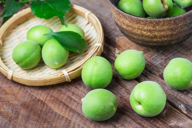 Grüne pflaume