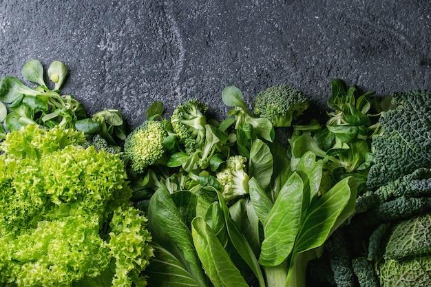 Grüne salate und kohl