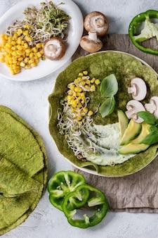Grüne spinat-tortilla