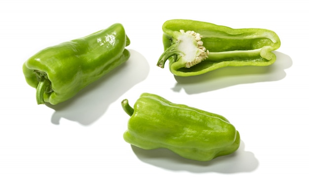 Grüner bananenpfeffer getrennt