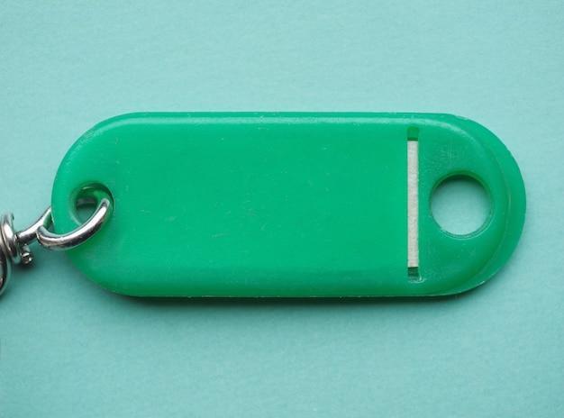 Grüner plastikschlüsselanhänger