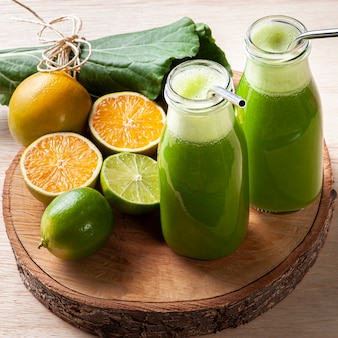 Grüner saft oder frische saftentgiftung.