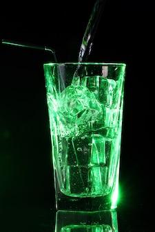 Grüner saurer cocktail