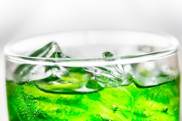 Grüner sodagetränk-makroschuß