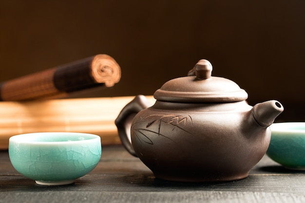 Grüner tee in den teetassen