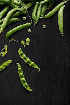Grüner zuckerschotenhintergrund