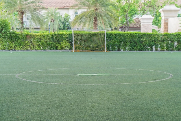 Grünes fußballfeld