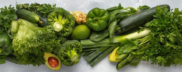Grünes gemüse für gesunde ernährung und ernährung vegane proteinquellen draufsicht