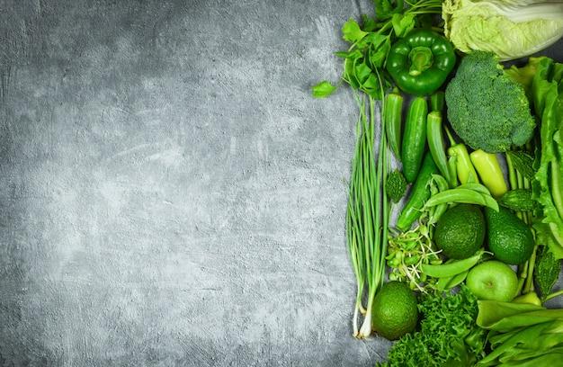Grünes obst und grünes gemüse