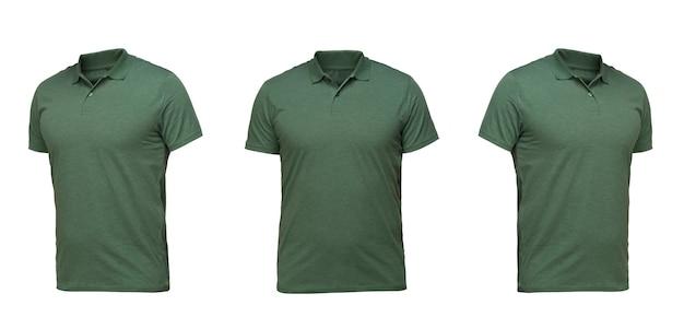 Grünes poloshirt. t-shirt vorderansicht drei positionen auf weißem hintergrund