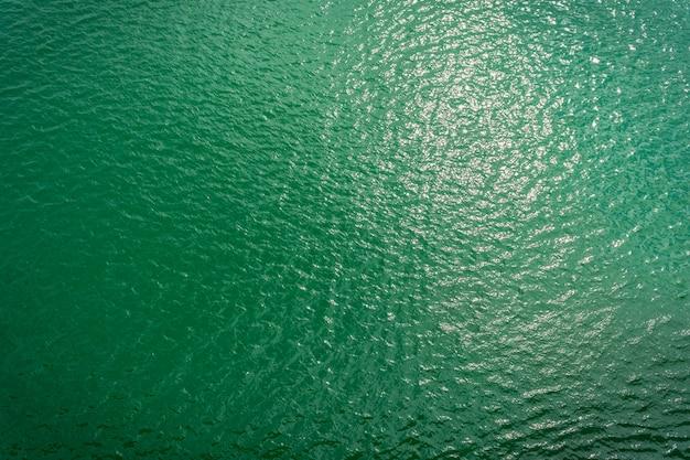 Grünes wasser meer