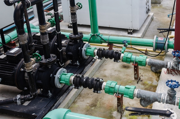 Grünes wasserversorgungssystem der stahlrohrfabrik