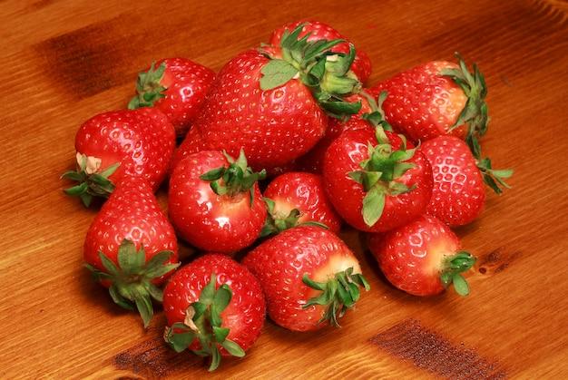 Gruppe von frischen erdbeeren