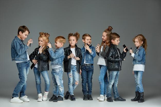 Gruppe von kindern studio-konzept