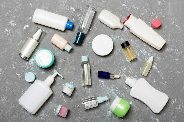 Gruppe von kunststoff körperpflege flasche flach lag opy raum