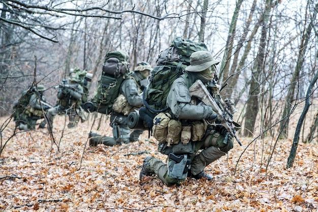 Gruppe von soldaten des jagdkommandos
