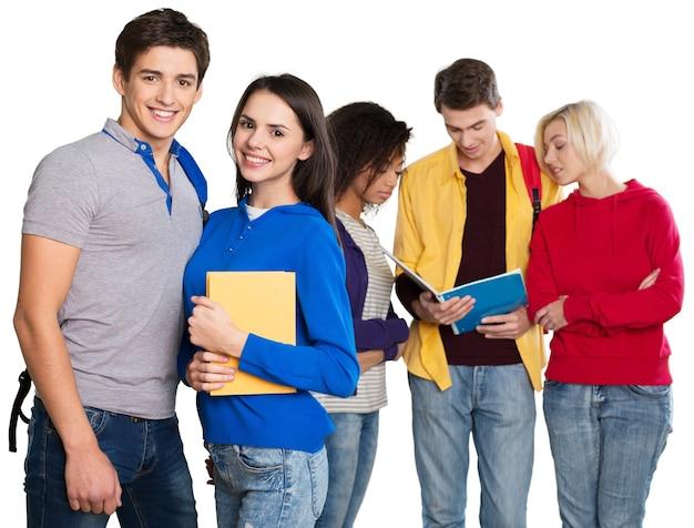 Gruppe von studenten mit büchern auf weißem hintergrund