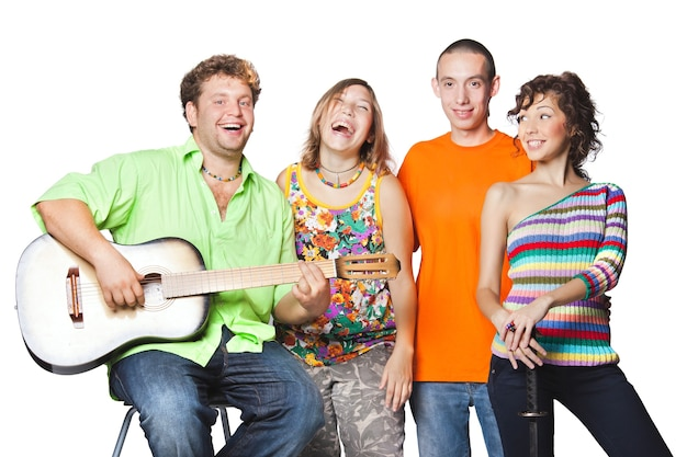 Gruppenporträt des schauspielers genießen sie spielen