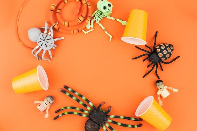Gruselige halloween-spielzeuge