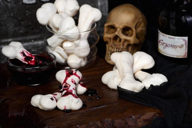 Gruselige knochen für halloween