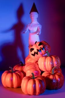 Gruseliges halloween-spielzeug der nahaufnahme