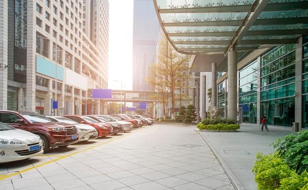 Guangzhou-finanzbezirks-piazza-architekturlandschaftsbürogebäude