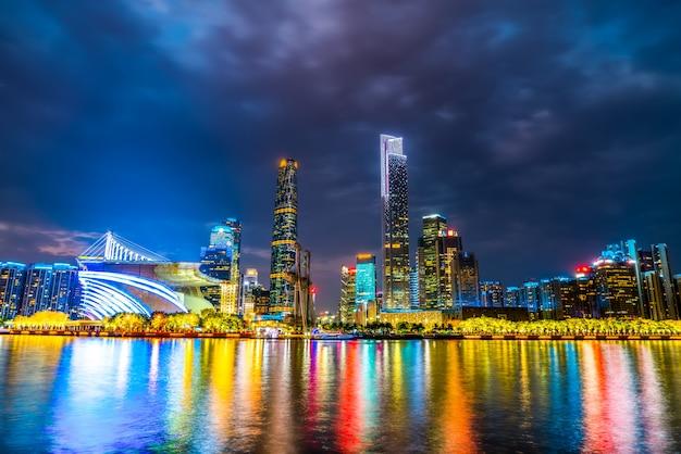 Guangzhou-stadtnacht und architekturlandschaftsskyline