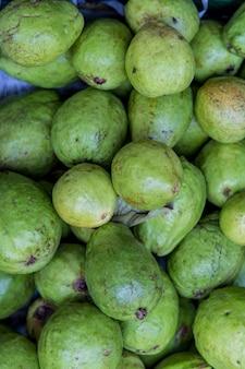 Guaven auf dem markt
