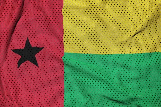 Guinea-bissau-flagge, gedruckt auf einem polyesternetz
