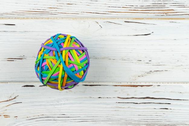Gummibandball. farbiges gummiband papierrechnungen