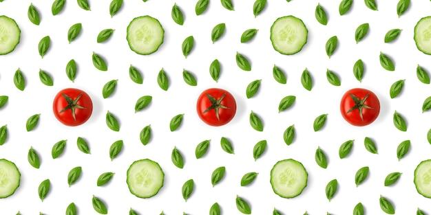 Gurken-, tomaten- und basilikumblättermuster auf weißem hintergrund