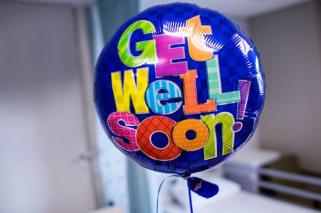 Gute besserung ballon im krankenhaus