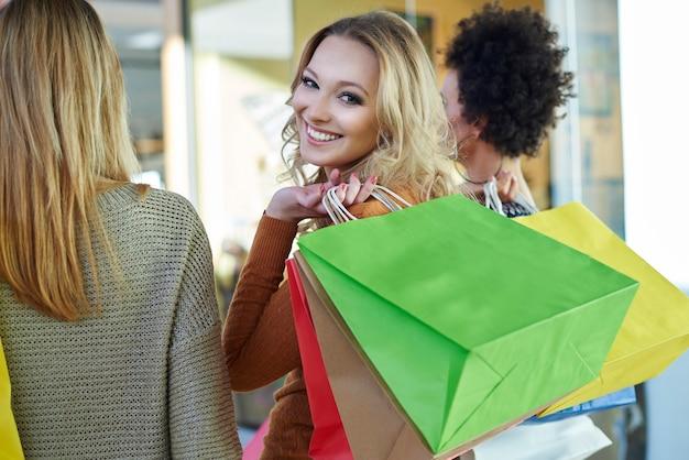 Guten tag wegen guter einkaufsmöglichkeiten