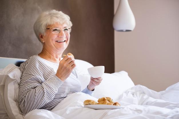 Gutes frühstück macht diesen tag viel besser