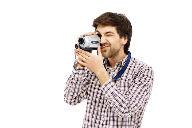 Guy video auf kamera aufnehmen