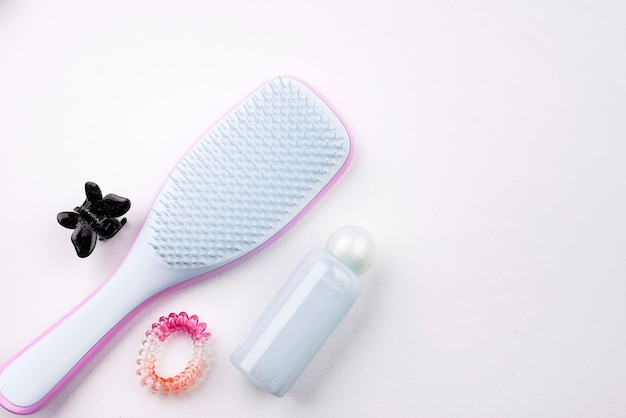 Haarbürste mit kopienraum