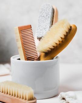 Haarkamm und natürliche haarbürste
