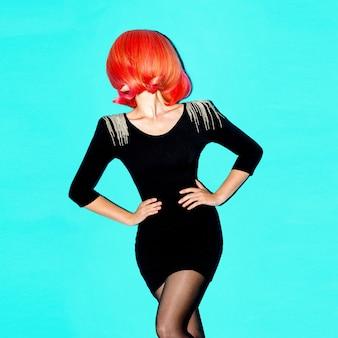 Haarmodell retro-frisur roter haarfarbentrend