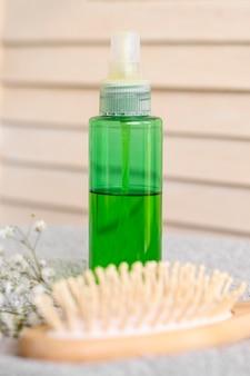 Haarserum und bürste