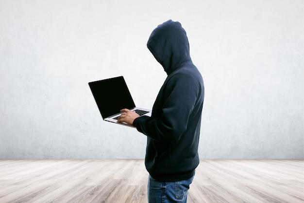 Hacker im zimmer